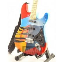 Fender Strato. Crash 3 _Mns89910_ - Eric Clapton