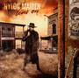 Nylon Maiden Lives On - Thomas Zwijsen
